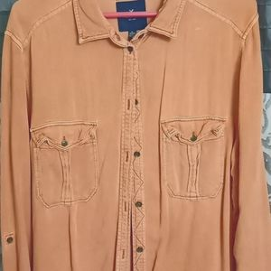 Very cute American Eagle button down shirt